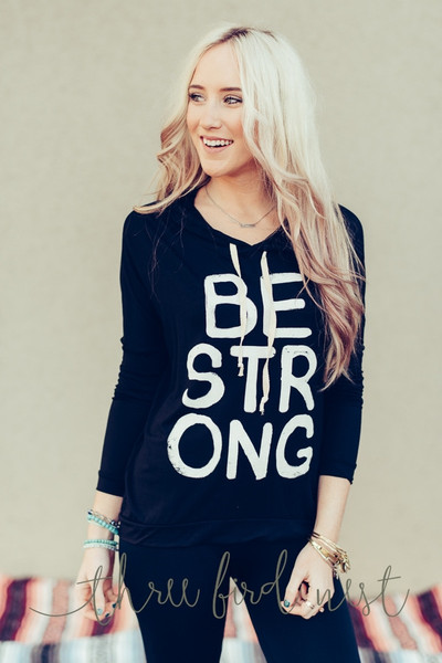 FGT4811-4151-BLK_be_strong_graphic_sweatshirt_hoodie_grande.jpg