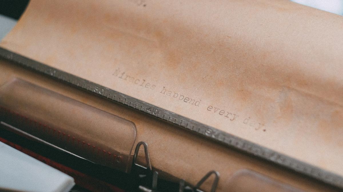 typewriter-1031429_1920